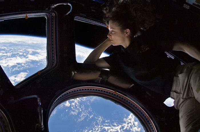 Astoronotlar Uzayda Zamanlarını Nasıl Geçiriyorlar?