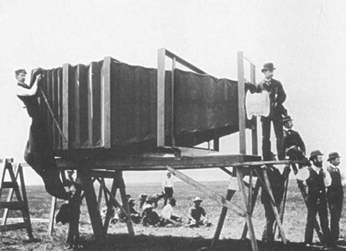 tarihteki ilk fotoğraf makinesi