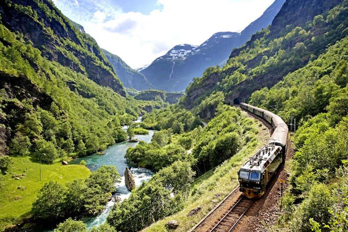 Flam treni Norveç,  Kjosfossen Şelalesi