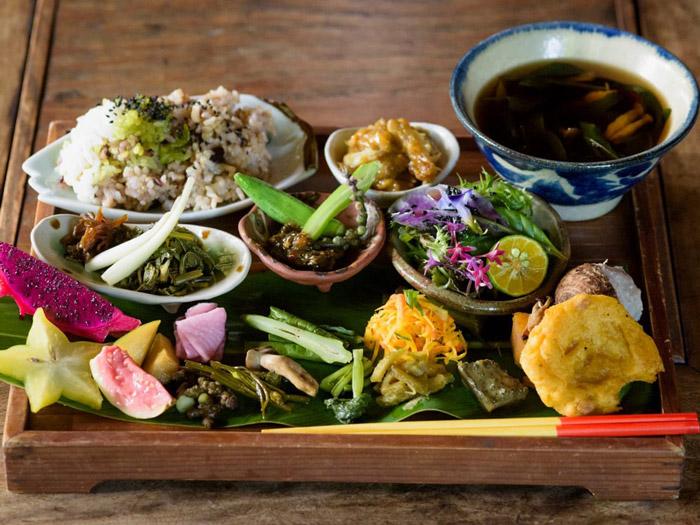 Okinawa halkının yemek kültürü, ne ile besleniyorlar?