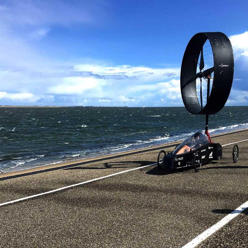 Rüzgar Turbini ile çalışan araba: Bora